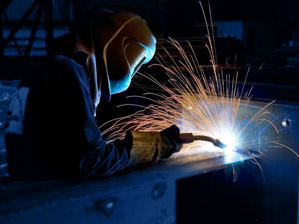 106019-el-trabajo-de-soldador-2-1